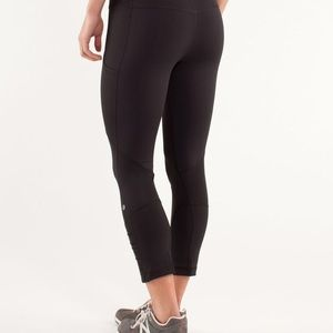 Black lululemon Crop legging- size 8